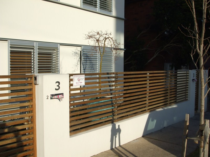 Randwick Timber fence with steel posts